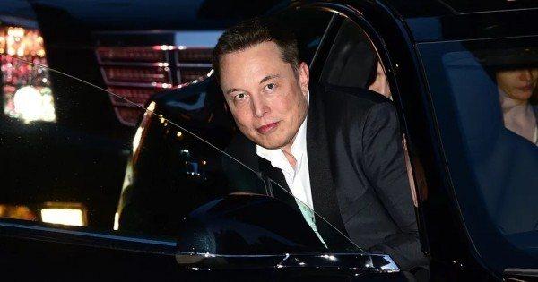 Tesla, online müzik servisi için kolları sıvadı!